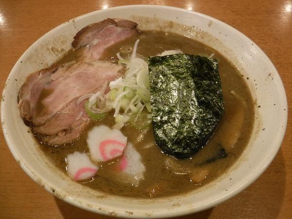 「マイルド魚介ラーメン830円」@自家製熟成麺 吉岡の写真