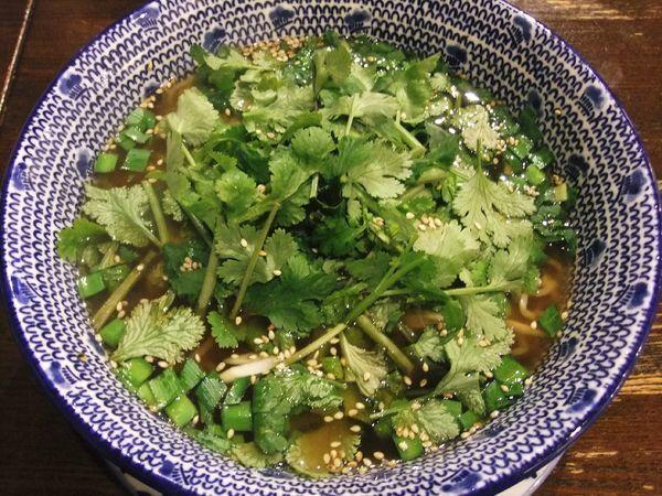 「香菜とにらのひすい麺(950円)」@千客万来白馬の写真
