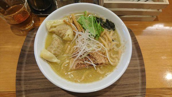 「塩ワンタン麺930」@家族のらーめん食堂 はないち 春日町店の写真
