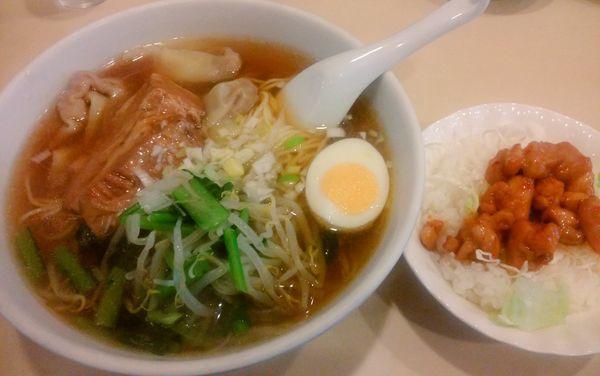 「Bセット(角煮入りワンタン麺・鶏味噌丼)」@中華料理 一番 駅前店の写真