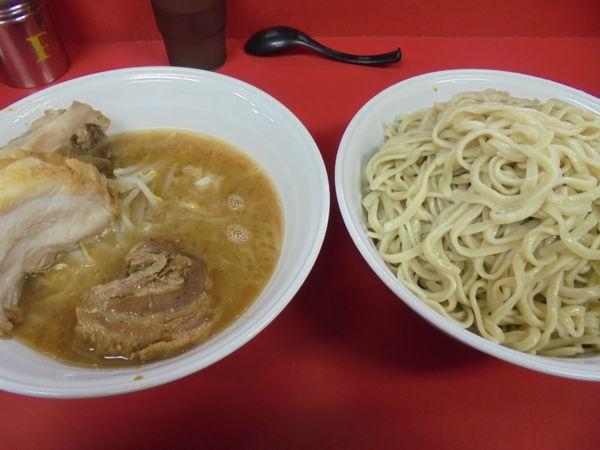 「大ラーメン豚入りニンニクつけ麺」@ラーメン二郎 茨城守谷店の写真
