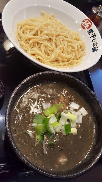 「極濃煮干し豚骨つけ麺250g」@極煮干し本舗 蘇我店の写真