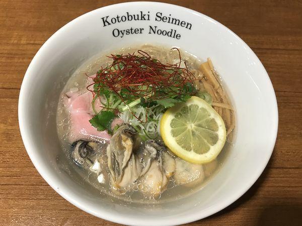 「牡蠣そば」@寿製麺よしかわ 川越店の写真