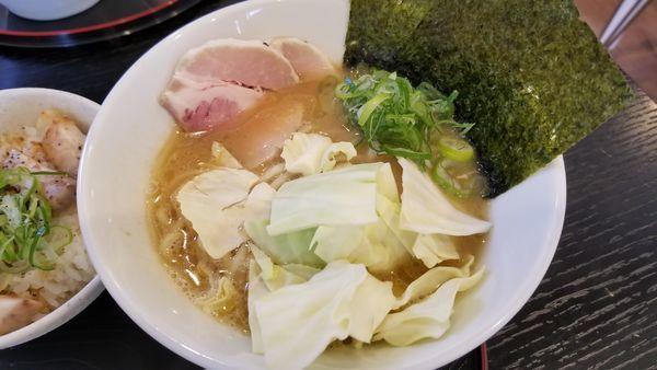「豚骨醤油麺」@麺や 阿吽の写真