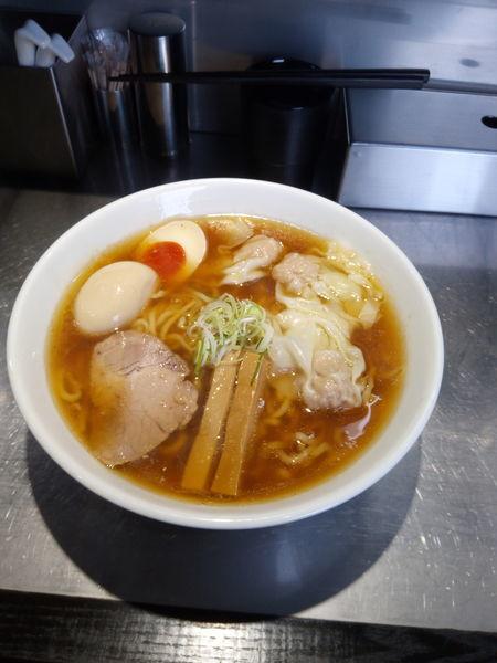 「ワンタン麺大盛り」@らあめん吟の写真