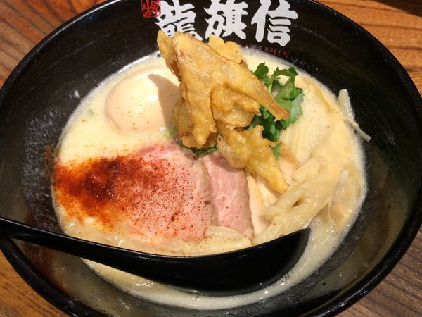「鶏炊いたん塩そば」@NAMBA 龍旗信RIZEの写真