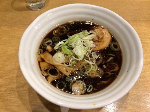 「黒醤油ラーメン」@らぁめん次元の写真