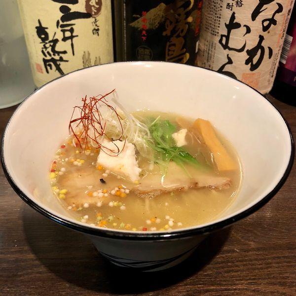 「真鯛 塩らぁ麺 寿 (900円)」@らぁ麺BAR 錦 iwamotoの写真