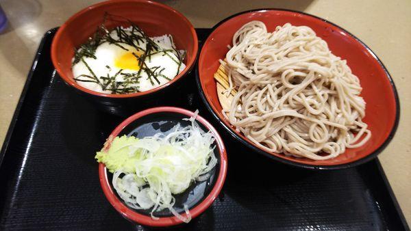 「とろろ丼セット」@名代 富士そば 大宮東口店の写真