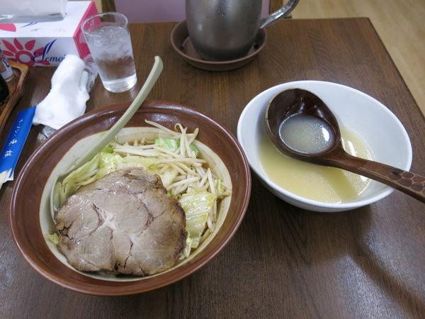 「特製みそラーメン:860円」@ラーメン 東横 笹口店の写真
