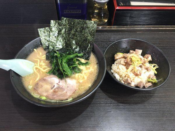 「ラーメンAセット(醤油豚骨ラーメン+チャーシュー丼)(800円)」@らーめん家 せんだい 鶴ヶ峰本店の写真