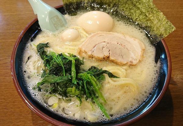「塩味玉ラーメン(780円)」@横浜家系ラーメンとりとんの写真