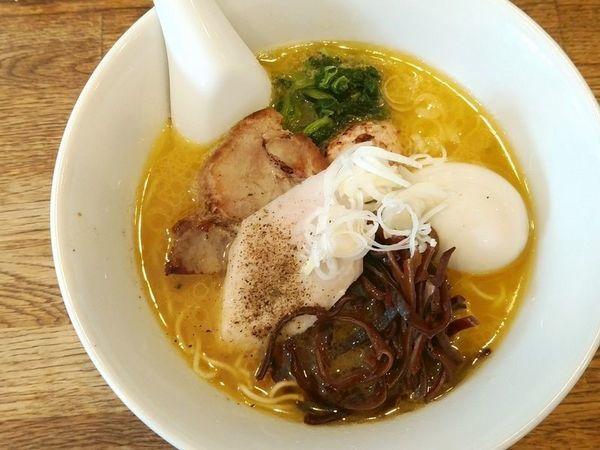 「よくばり博多水炊きラーメン」@麺屋すみすの写真