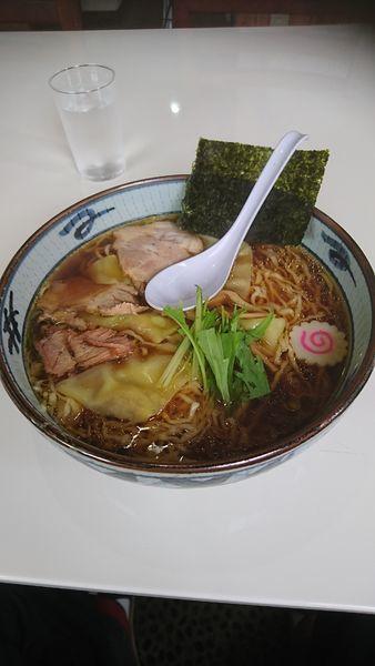 「手打ちワンタン麺」@手打ち中華そば 凌駕の写真