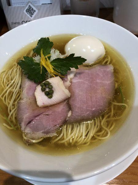 「《土日限定》琥珀そば ¥900+味玉 ¥200」@麺LABOひろの写真