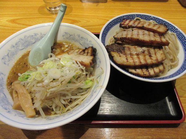 「みそ野菜チャーシューつけ麺(1230円)+大盛100円」@常勝軒 総本店の写真