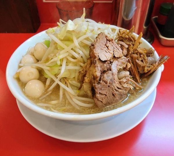 「ラーメン300g うずら ニンニク」@自家製麺 ダイサンの写真
