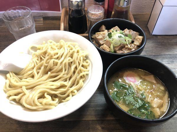 「白金つけ麺(大盛り)&豚丼」@麺屋 承太郎の写真