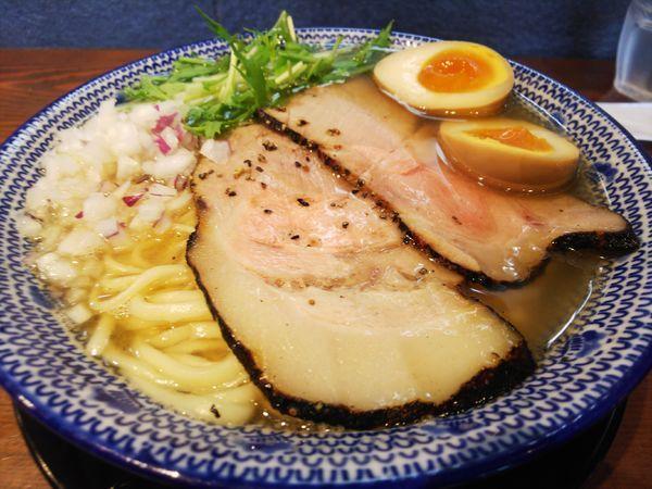 「飛魚だし熟玉そば815円」@無添加ラーメン専門 だしと麺の写真