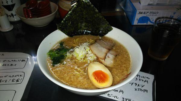 「ラーメン(太麺)」@リッキーズの写真