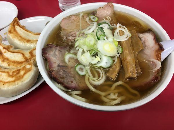 「チャーシューメン+餃子」@一品香 城東店の写真