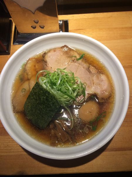 「肉醤油 名古屋コーチン味玉」@ラーメン 巌哲の写真