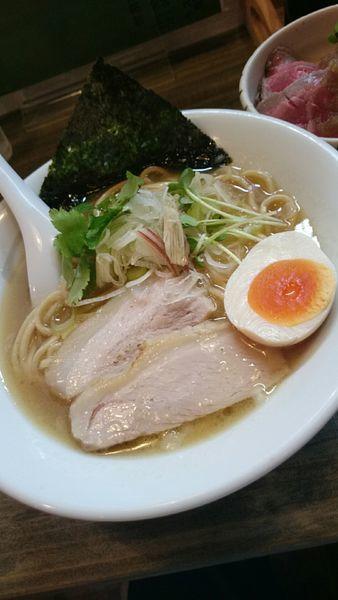 「塩白湯ラーメン 白金 (太麺) 750円」@麺屋 承太郎の写真