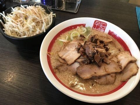 「肉そば(太)+中盛+もやし」@千石自慢ラーメン 本店の写真