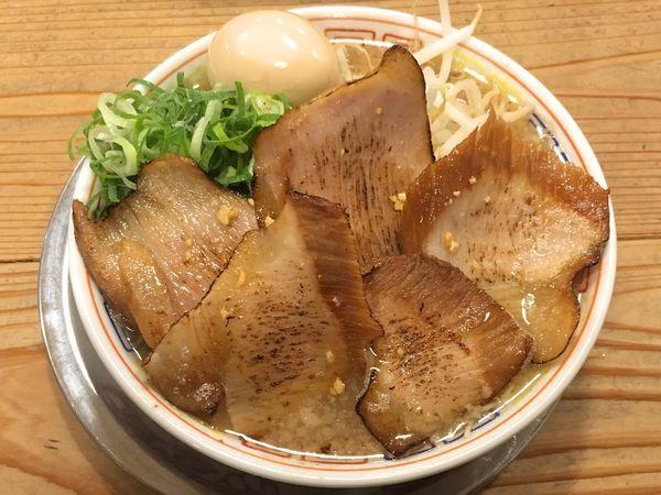 「炙りトロ肉チャーシュー麺」@博多だるまの写真
