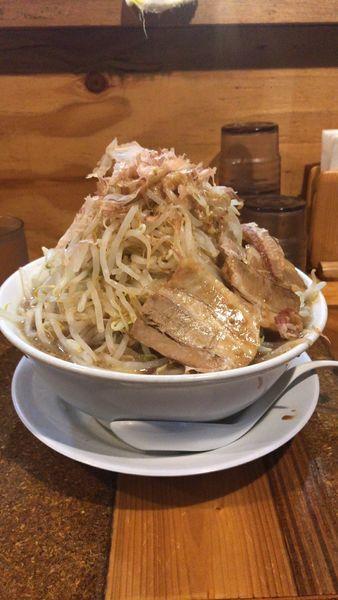 「豚入大マシマシ」@ラーメン・つけ麺 神起の写真