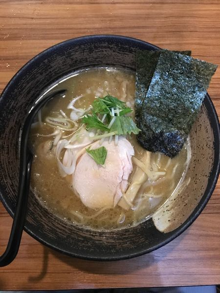 「濃厚豚骨醤油そば 780円」@濃厚鶏そば 麺屋武一 新橋本店の写真