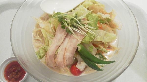 「冷やしちゃんぽん(白)+麺増量 「745円+無料」」@リンガーハット イオンモール春日部店の写真