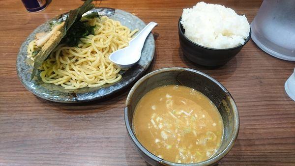 「魂心つけ麺+海苔・うずら+ライス(サービス)」@横浜家系らーめん 魂心家 藤沢店の写真