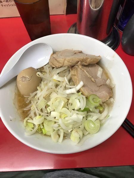 「ラーメン並 野菜少なめ ニンニク」@びんびん豚の写真