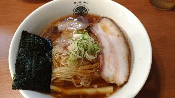 「醤油らぁ麺」@らぁ麺 すぐるの写真