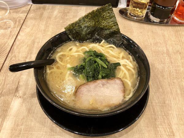 「豚骨醤油ラーメン」@横浜家系らーめん そしが屋の写真