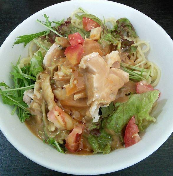 「【夏季限定】サラダ風ひな鳥のバンバンジー冷麺 850円」@あかくろたんたんの写真