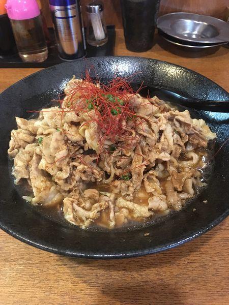 「ガッツリ肉盛りらーめん( 400g醤油 )」@ともや食堂 藤岡店の写真