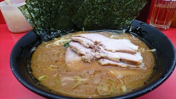 「チャーシュー麺  麺硬めアブラ少し多め」@杉田家の写真