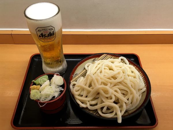「アサヒスーパードライ→もりうどん大盛」@かのや 新宿西口店の写真