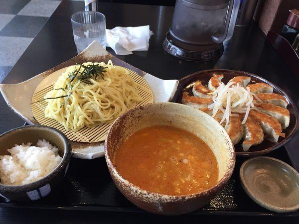 「浜松餃子とつけタンタン麺セット」@五味八珍 メイワン店の写真