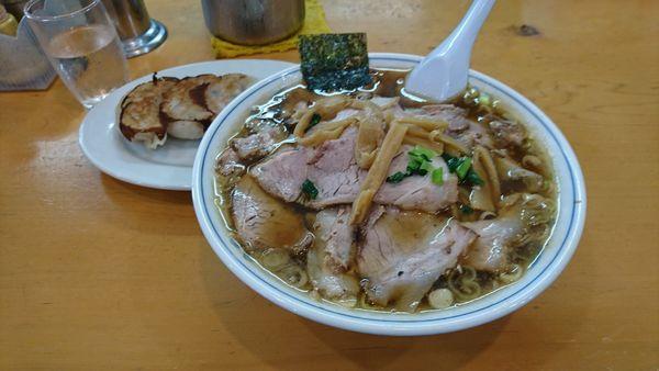 「チャーシュー麺+ミニ餃子」@ラーメン やひこの写真