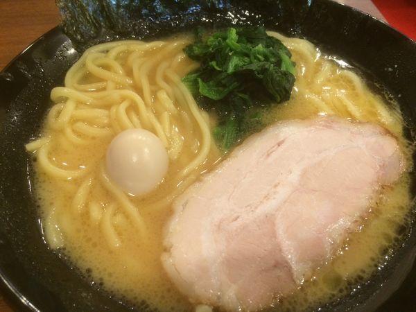 「ラーメン」@横浜家系 池袋商店の写真