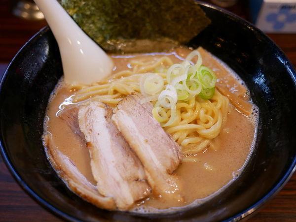 「ラーメン 太麺+大盛」@ラーメン長山の写真