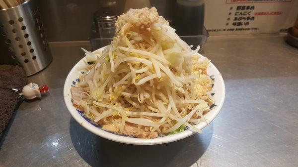 「ラーメン 野菜、脂、ニンニク全増し」@らーめん大 蕨店の写真
