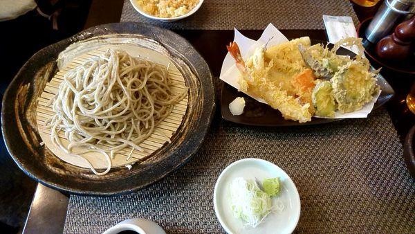 「魚貝天もり蕎麦 1750円」@自家製粉手打蕎麦 猪口才の写真