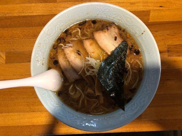 「チャーシュー麺(動物系+焦がしネギ)」@おかめの写真