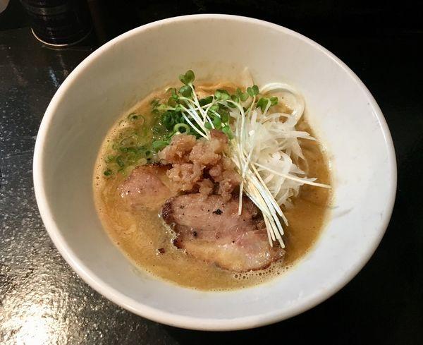 「鷄と煮干しと水の醤油ラーメン」@麺s慶の写真