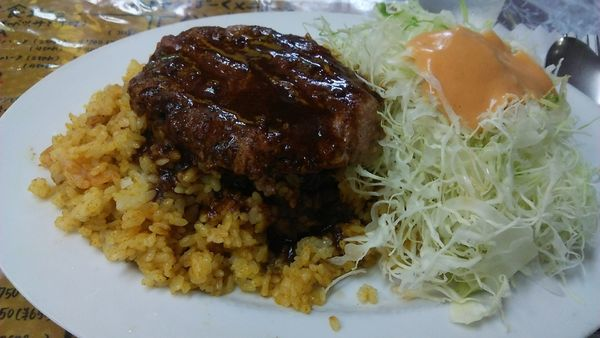 「ドライカレーハンバーグ 700円 + 味噌汁 150円」@レストラン ばーくの写真