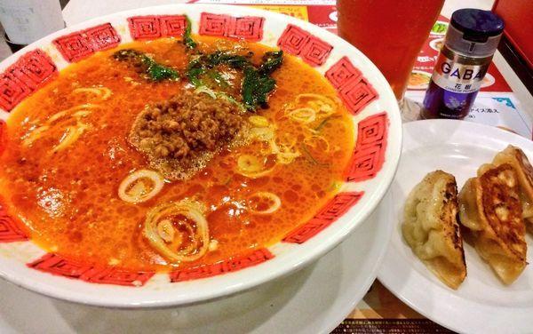 「シビッ!からっ!山椒とラー油の担担麺+餃子3コ+ドリンクバー」@バーミヤン みなとみらい店の写真